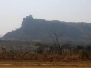 Entre o Cruzamento do Cassongue e o Cassongue. Fotografia José Cordeiro